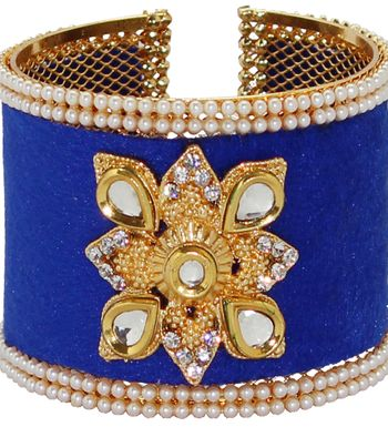 7339cdc9f Bangles - Buy Bangles Online India at Soni Art Jewellery