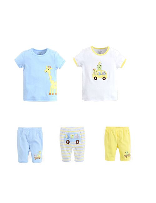 c638aacb5329 Set of two half-sleeves t-shirts and three shorts