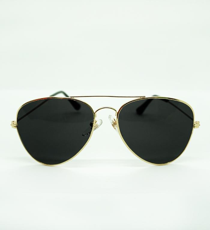 f23ad6bcca6 Skygge Original Medium Size Unisex Aviators UV 400 Protected Polycarbonate  Black Colour Oval Shape Sunglasses With Golden Frame