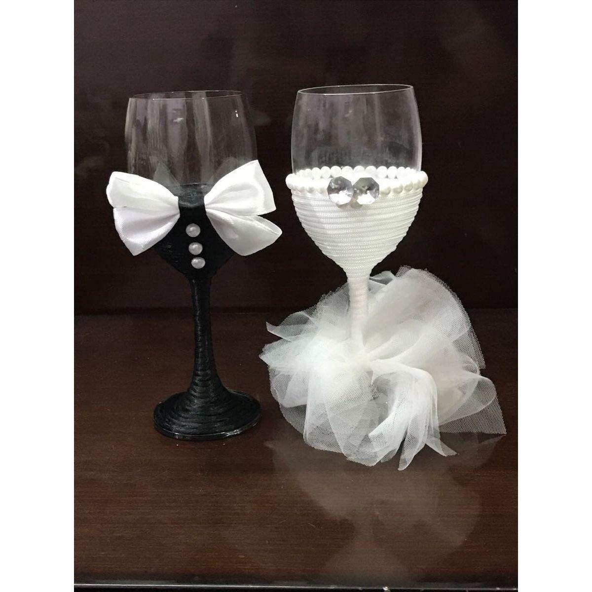 Wedding couple wine glasses