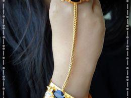 sataara-golden-swarms-ki-stone-1476253752