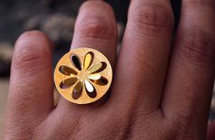 Round Flower golden trendy Ring (DFR01)