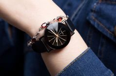 Awesome World Women's Classy-Trendy and Stylish Colorful Belt Wrist Watch In Beautiful Pack Of One AW148