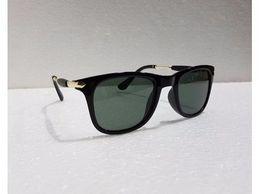 stylist-square-black-glass-black-1523681835