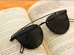 black and black stylish sunglasses 01853