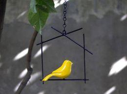 Hanging Birdie._Da544