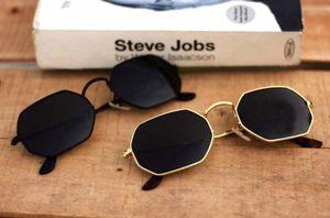 black and gold stylish sunglasses 01432