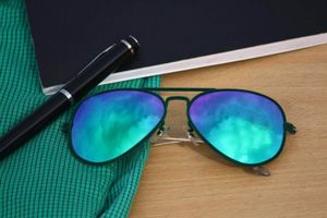 black and blue stylish sunglasses 01522