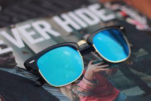 black and blue sunglasses 1 earring and choker free