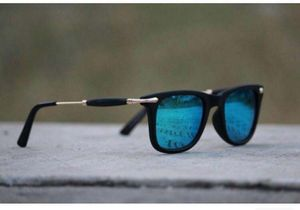 Black and Golden stylish sunglasses 2516