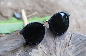Black and golden stylish sunglasses 1009
