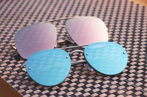Silver and blue new stylish sunglasses 3217
