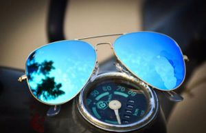 Golden and blue new stylish sunglasses 3323