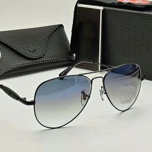 Black and golden stylish sunglasses 0746
