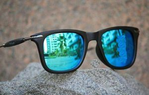 Blue And Black stylish sunglasses 1204