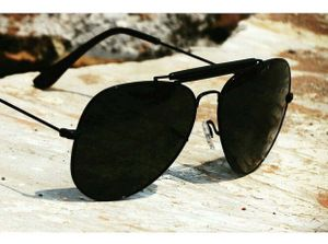 Golden and golden stylish sunglasses 1402