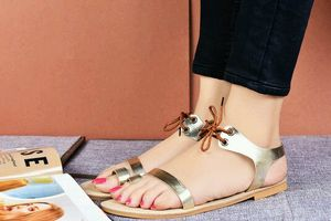 Doubly Desirable Flats