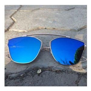 Trendy Mercury Blue Unisex Sunglasses with 100 UV Protection