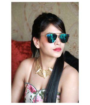 stylish looking sunglasses for women By EYEKING