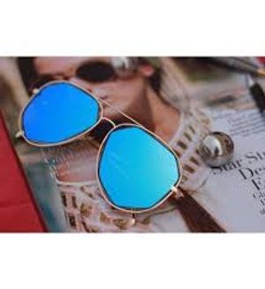 Stylish looking Blue Sunglasses For men