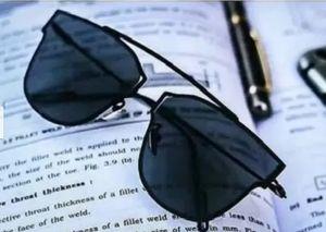 Royal and luxurious look stylish polarized Sunglasses for Unisex
