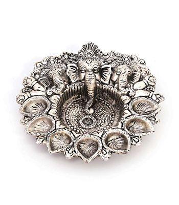 Pretty White Metal God Ganesha Silver Dia Idol 319