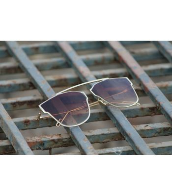 golden brown stylish looking sunglasses for men