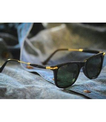 Green stylish looking  round shape sunglasses for men