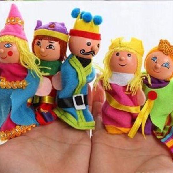 Finger Puppets Pretty Unique Wooden King Queen Family Education Toys set of 6 pcs