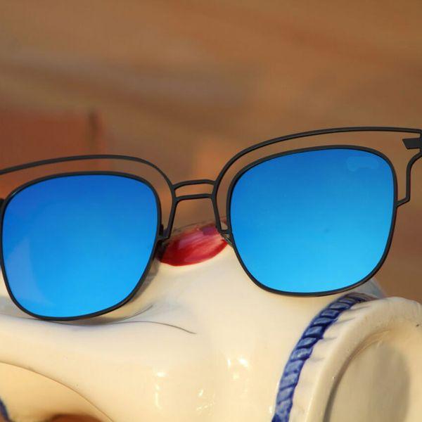 stylish frame deep blue sunglasses for men