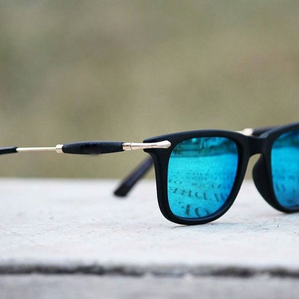 Stylish Looking Blue Mirror Sunglasses For Men
